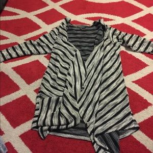 Sweaters - Open knitted look cardigan! Euc!